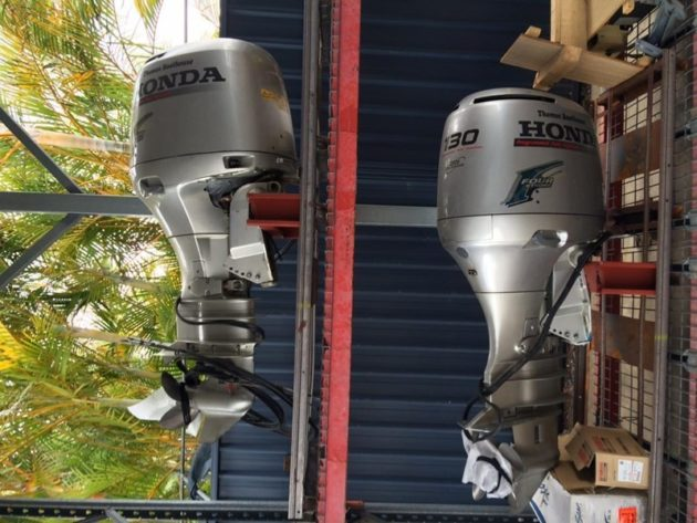 USED 2001 PAIR HONDA BE115A 25 INCH Outboard Motor